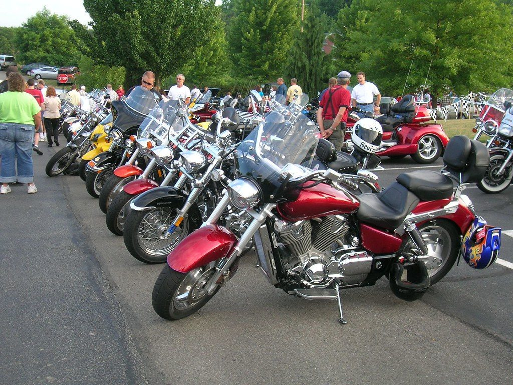 How to Ride Your Motorcycle Safely in a Group